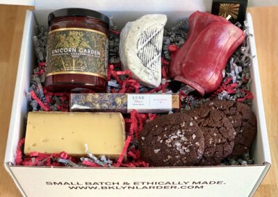 Mother's Day Floral Cheese Delight Gift Box